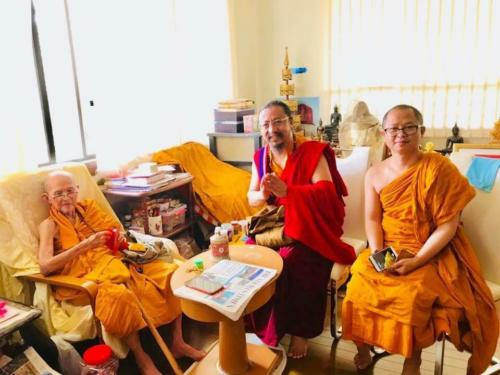 Abbot of Wat Ananda Singapore with Khenchen Lama